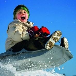 Власти Владивостока «порадовали» детей …грязным снегом