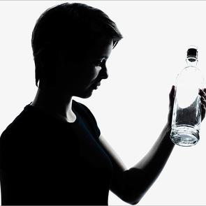 Подросток и алкоголь: 6 важных правил воспитания