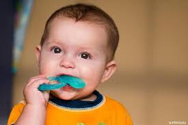 Гели для прорезывания зубов опасны