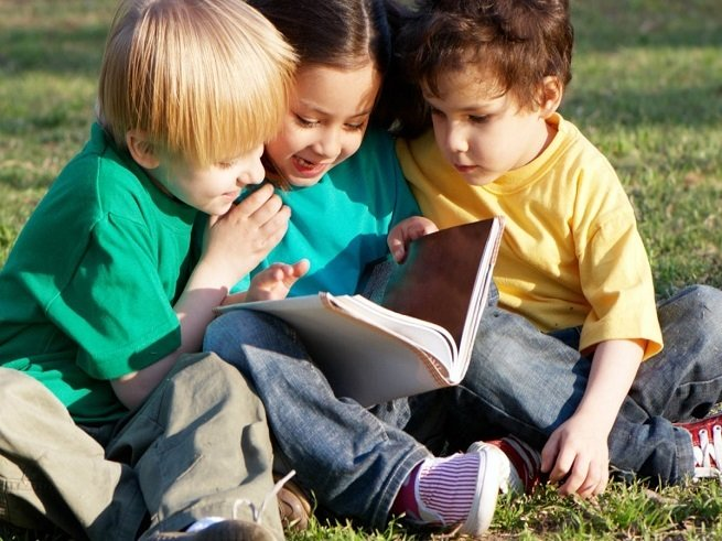Маме на заметку: как научить ребёнка делиться игрушками