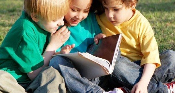 Как научить ребенка делиться с другими
