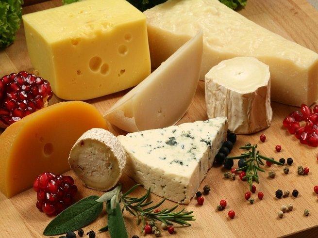 С какого возраста можно давать ребёнку сыр?