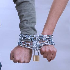 Созависимые отношения: безмерная любовь или проблема из детства?