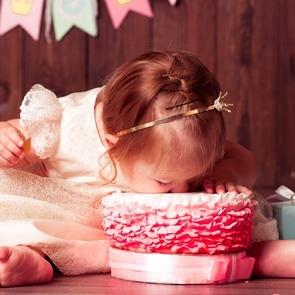 Шесть способов украсить торт своими руками