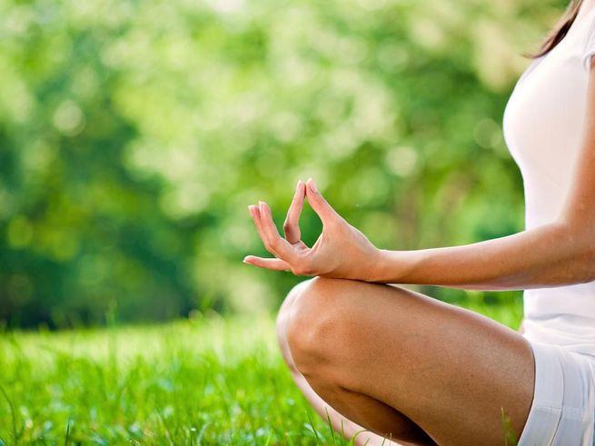 Йога и акупунктура снимают боль