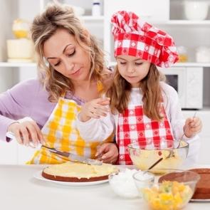 Кулинарные азы: как научить ребёнка готовить