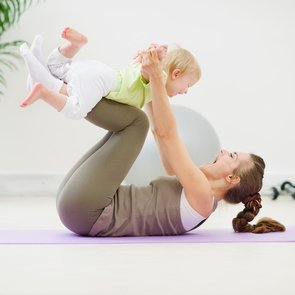 Гимнастика для ребёнка в 1 год