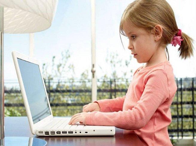 Как превратить детское  увлечение компьютером в полезное занятие