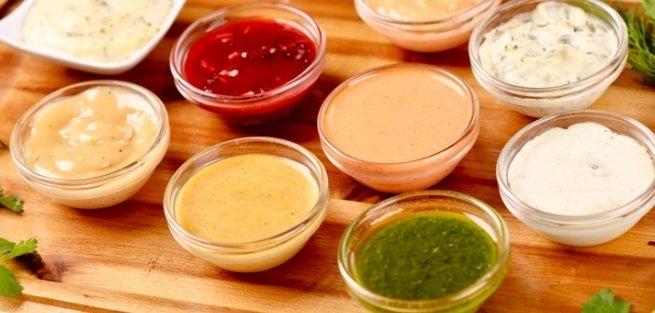 5 соусов, которые лучше приготовить дома, а не покупать в магазине