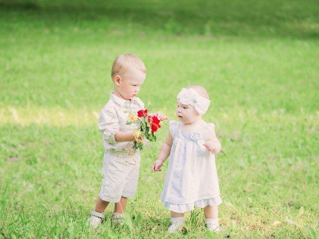 Что должен уметь делать ребёнок в 10 месяцев?