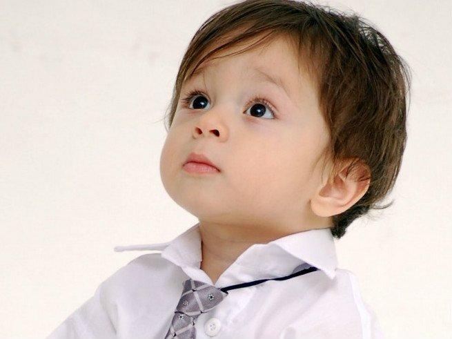 Ребёнок отстаёт в развитии: причины и признаки