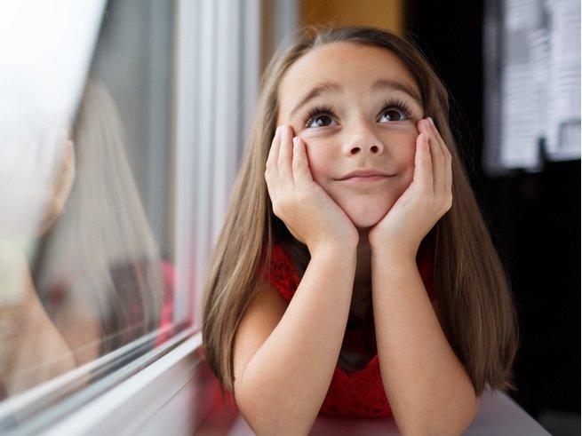 Необщительный ребенок: в чем причина, как помочь