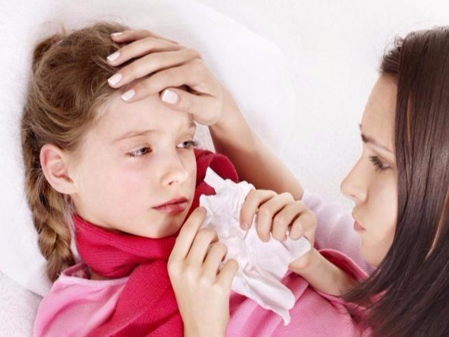 Как лечит насморк у ребенка в домашних условиях