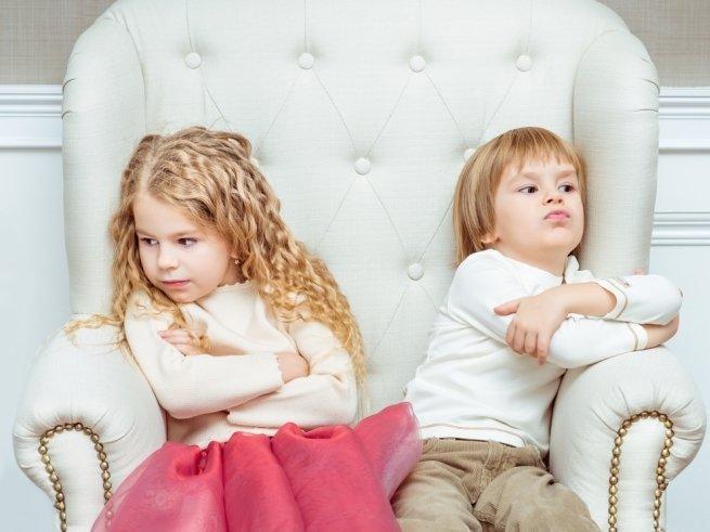 Что кроется за детской завистью?