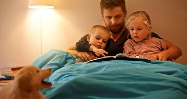 Почему важно читать малышу сказки на ночь?