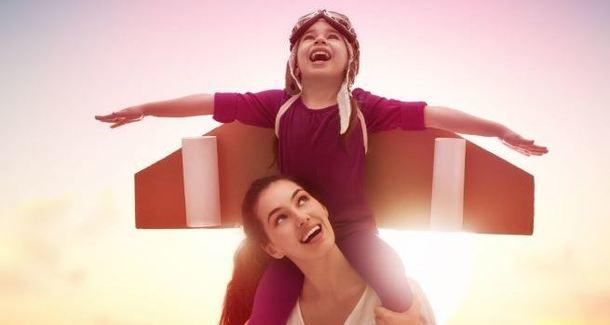 ИНФОГРАФИКА: 10 способов сделать ребенка счастливым