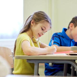 Дворкович: В школах почти нет новых технологий, хотя мы делаем вид, что они есть