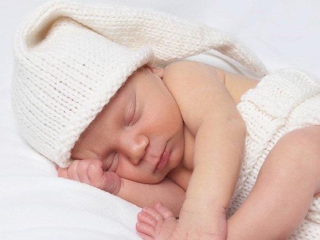 Ребенок плохо спит в 1 месяц