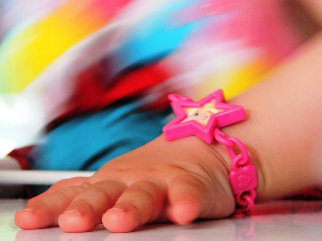 Как избавиться от белых пятен на ногтях у  ребёнка
