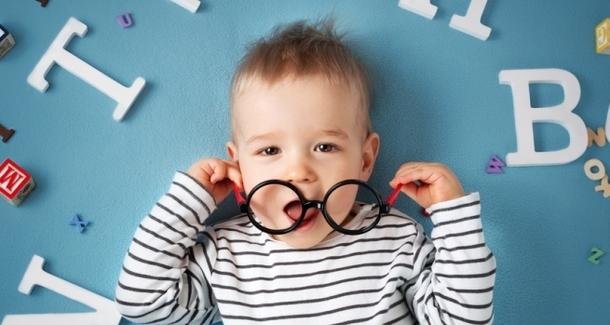 Мамин опыт: Как я надела очки на годовалого ребёнка