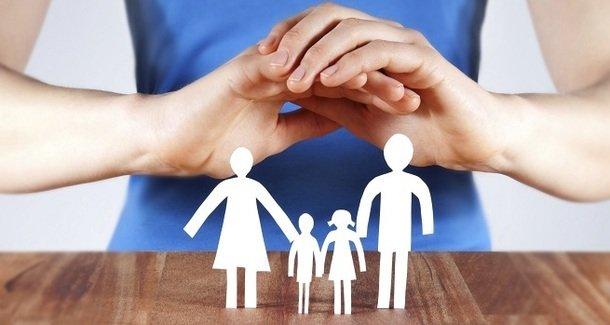 Зачем нужно страховать ребёнка: родителям - для размышления