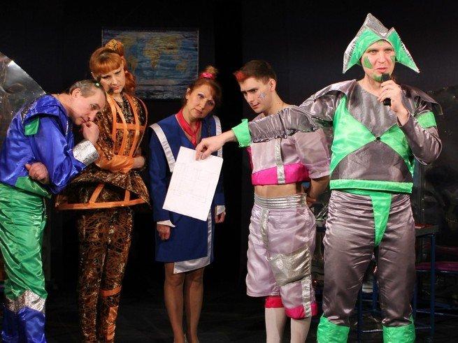 В театре Стаса Намина покажут спектакль про училку-робота