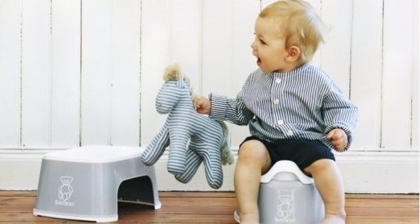 Когда приучать ребёнка к горшку