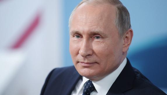 Путин: нерабочие дни продлятся до конца апреля