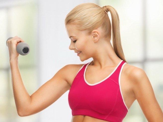 Упражнения с гантелями для девушек