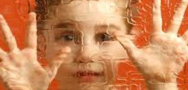 Аутизм: не пропустить тревожные симптомы