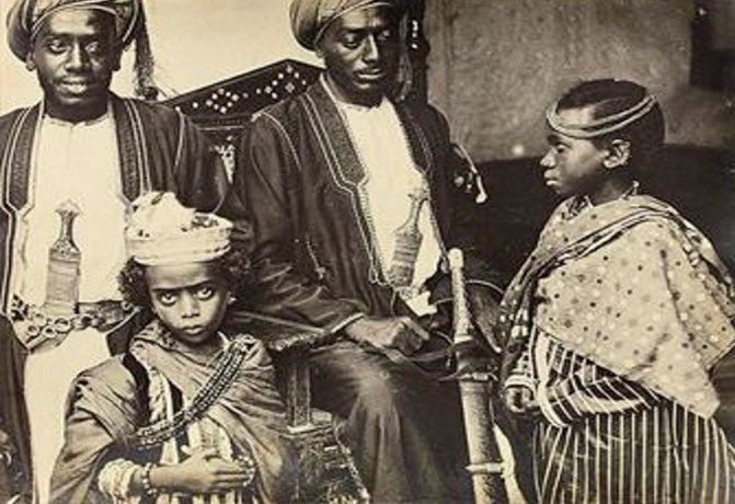 Мум-Зи - 8 лет, 1884 год
