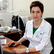 Нана Титова