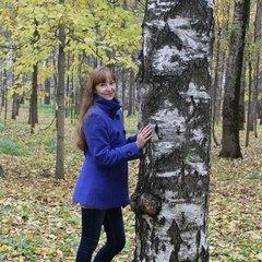 Надюша Шитова