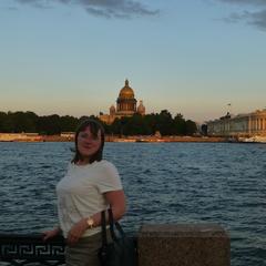 Елена Новохатняя