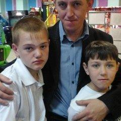 Александр Мугинов