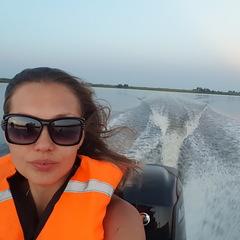 Елена Гусакова