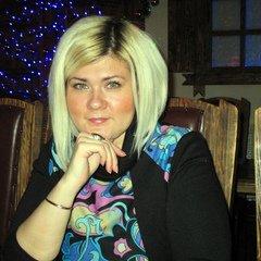 Аня Романова